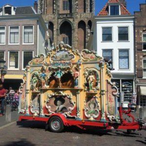 Draaiorgel-Frans-Hals-draaiorgeltje-huren-te-huur-hollands-600x600